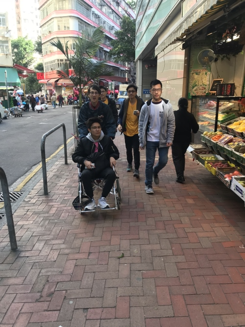 Esri China (HK) corporate team experienced the challenges of persons with disabilities and chronic illnesses while fulfilling the tasks.