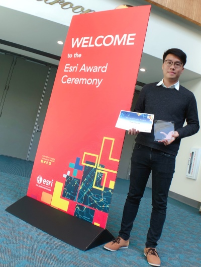 Tommy Chan from Hong Kong received his prizes for YSA 2019 in San Diego.